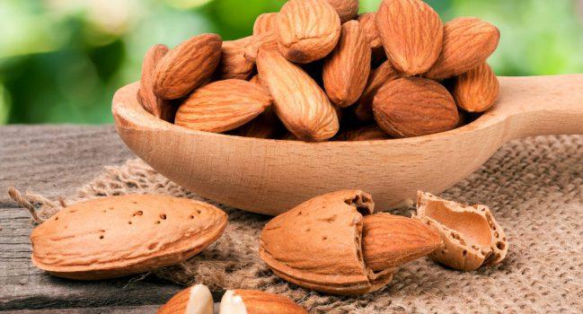 فواید بسیار مفید خوردن بادام در طول روز برای انسان