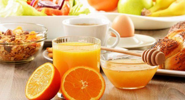 فواید خوردن آب پرتقال در صبحانه