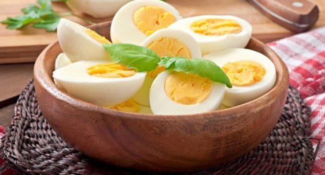 فواید تخم مرغ آب پز در صبحانه